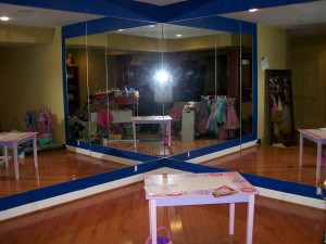 Mirrored wall with Blue beveled overlays