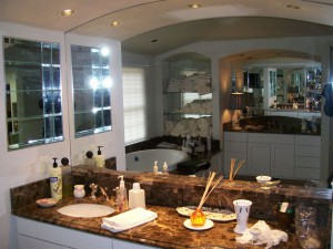 Vanity mirror with arched top